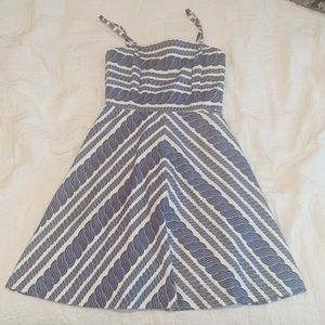 Vineyard Vines dress with pockets